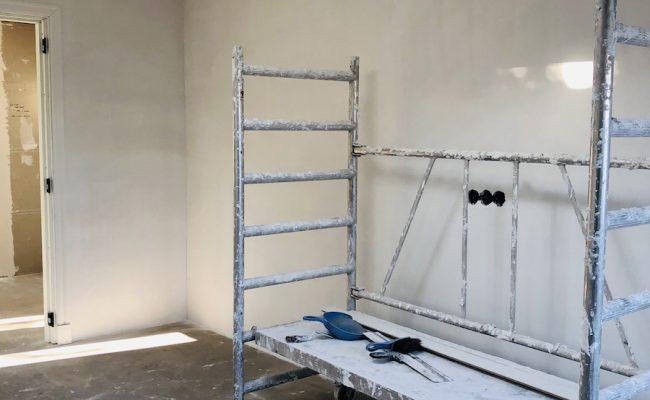 slaapkamer-wanden-plafonds-gestuct